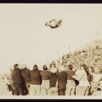 Flying high, 1920s